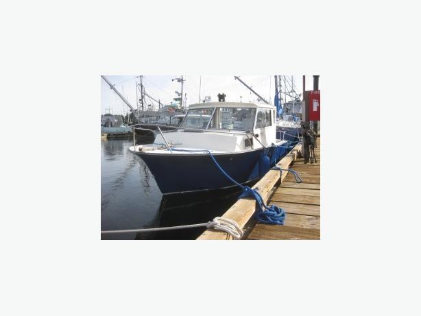 20' Diesel Powered Boat