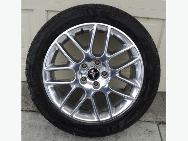4 Original FORD MUSTANG Rims and Winter Tires    235 R 18