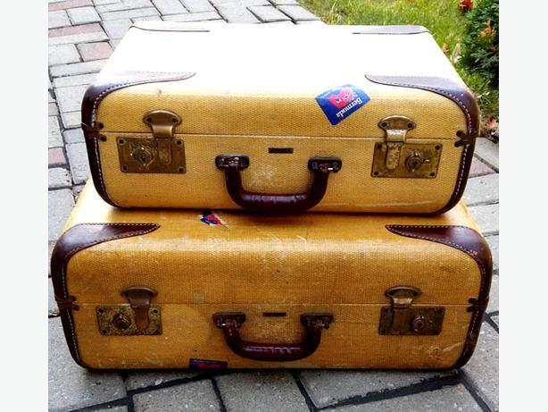 2   Vintage CARSON Luggage's