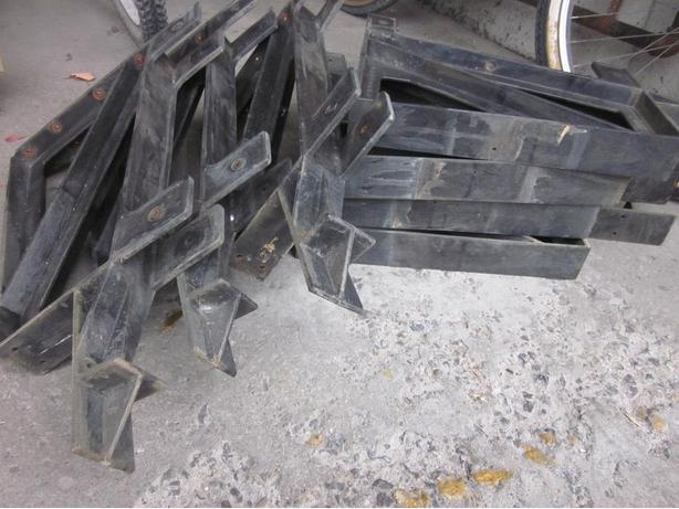 Plastic Bench Brackets x7
