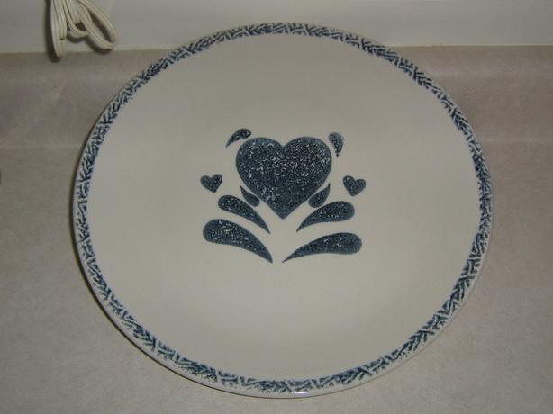 NEW - SERVING PLATTER WTH HEART DESIGN - NEVER USED