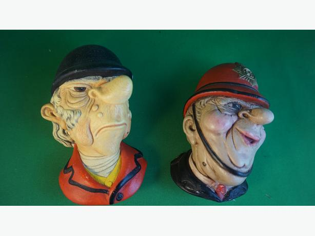 4U2C VINTAGE PAIR OF CHALKWARE HEADS