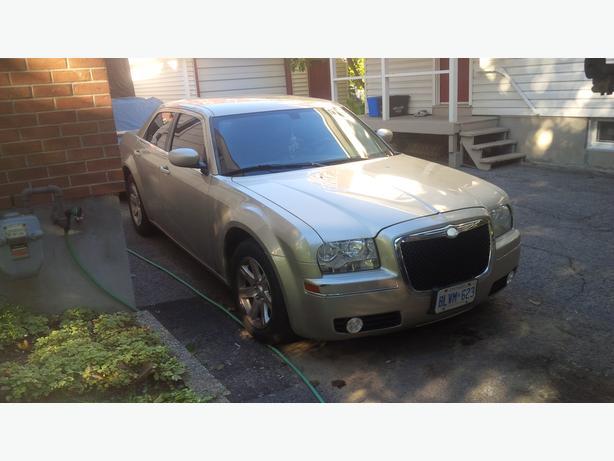 sell or trade 06 Chrysler 300