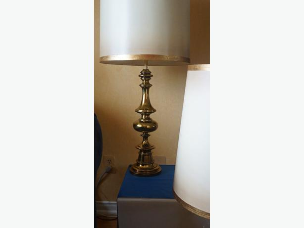 4u2c PAIR MID CENTURY HEAVY BRASS LAMPS