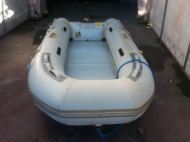 Aquamarine 10' Dinghy with 6hp motor