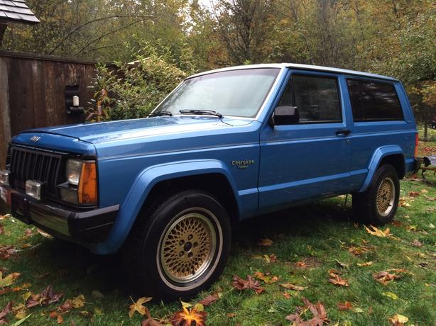 2 WHEEL DRVE JEEP CHEROKEE 2 DOOR
