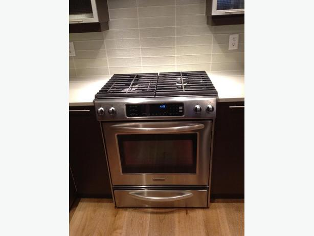 Slidein Gas Stove 2 Years Old West Shore Langford Colwood