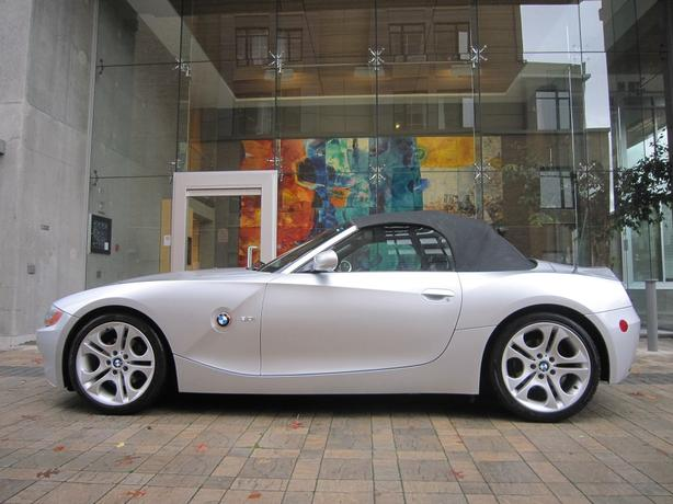 2003 BMW Z4 3.0L Convertible - 93,*** KM! - NO ACCIDENTS!