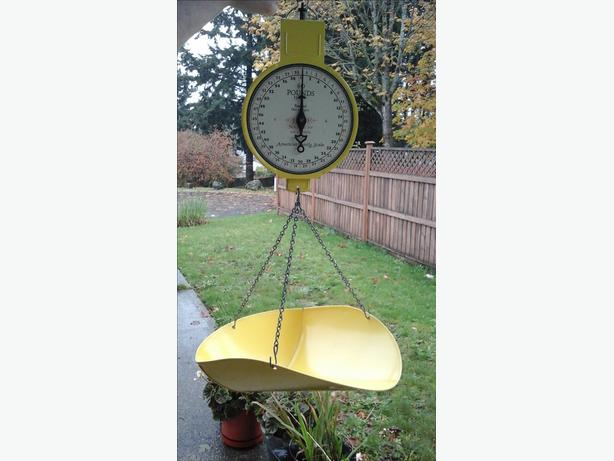Vintage American Family hanging weigh scale