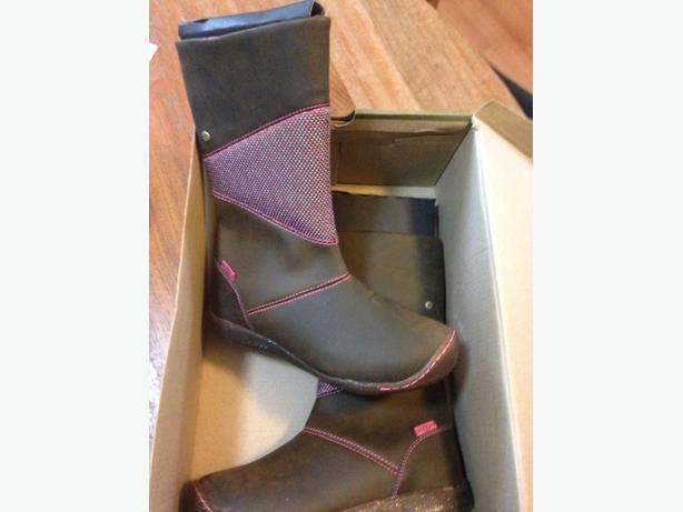 girls size 2 keen leather  boots