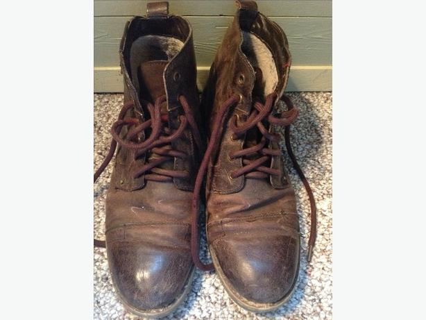 Steve Madden Boots Size 9.5
