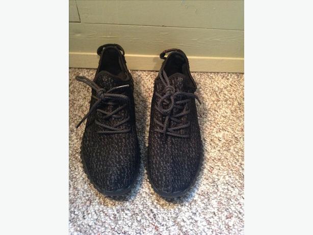 Adidas Yeezy 350 Size 9.5