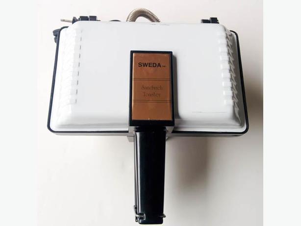 """""""Sweda"""" Vintage Sandwich Maker Toaster --H8Z1W9--"""