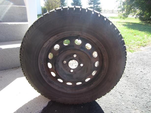 Set of four Toyo Observe GSI-5 snow tires on rims