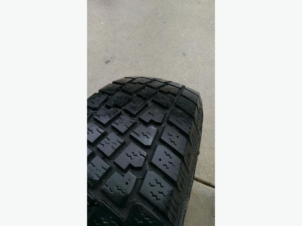 snow tires 4 x 215x75x15