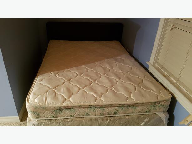 Double bed, Frame, Headboard