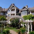 Fabulous lakeside condo located in North Nanaimo