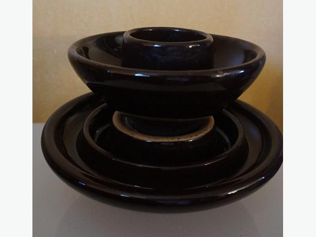 4U2C LARGE 2 LEVEL VINTAGE BROWN CERAMIC INSULATOR
