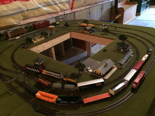 Complete HO scale train set for sale