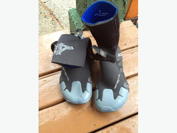 Excel Surf Boots