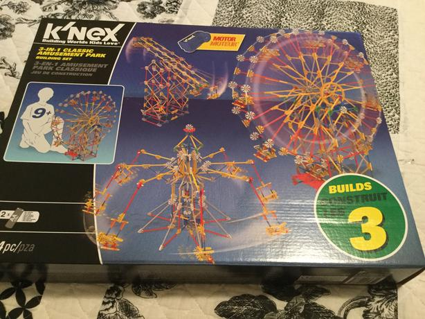 Brand new amusement park K'nex set