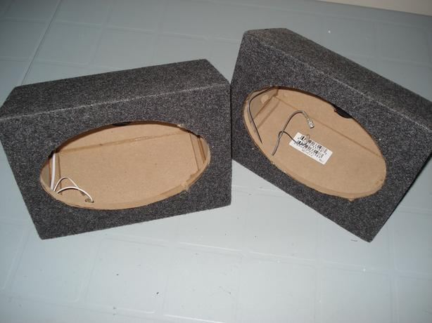 6X9  CARPETED SPEAKER BOXES