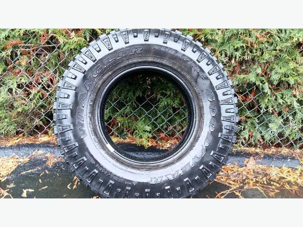 Brand new Wrangler tire