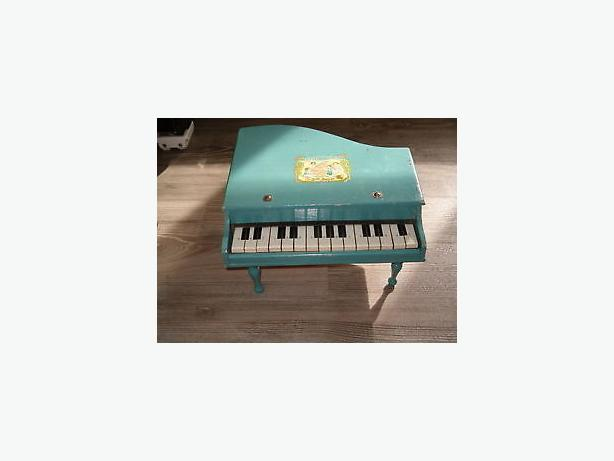 antique 1960wooded baby grand piano toy