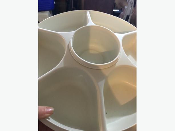 tupperware dish