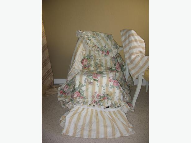BEDSPREAD ROSES KING/Q  AND ALL EXTRAS