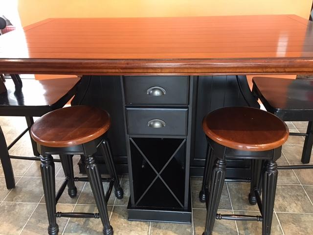Pub Counter Height Dining Table with Stools amp Chairs  : 55753816934 from www.usedvictoria.com size 640 x 480 jpeg 43kB