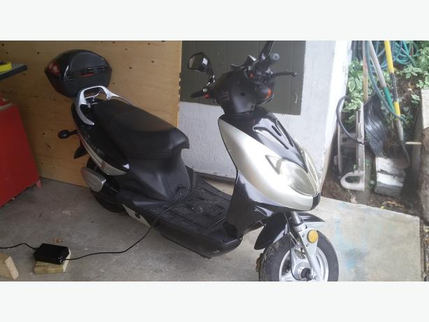 2012 Motorino Scooter XPh model