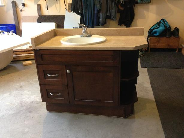 Free 44 long x 22 wide bathroom vanity north nanaimo nanaimo 22 inch wide bathroom vanity with sink