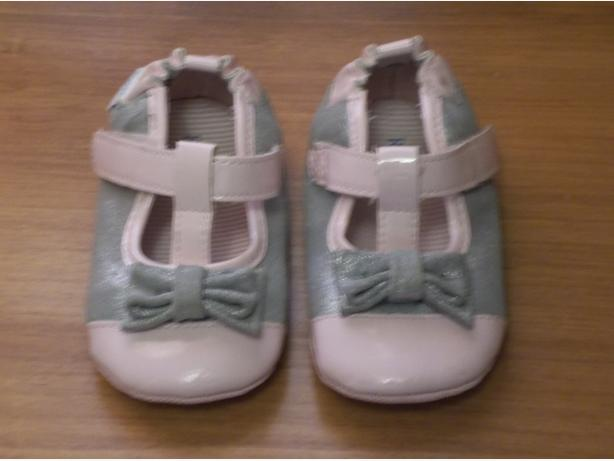 ROBEEZ BABY SHOES SIZE US4 (9/12 MONTHS)