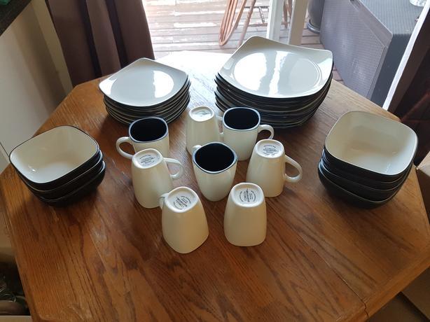 CORELLE HEARTHSTONE DINNERWARE 2 SETS