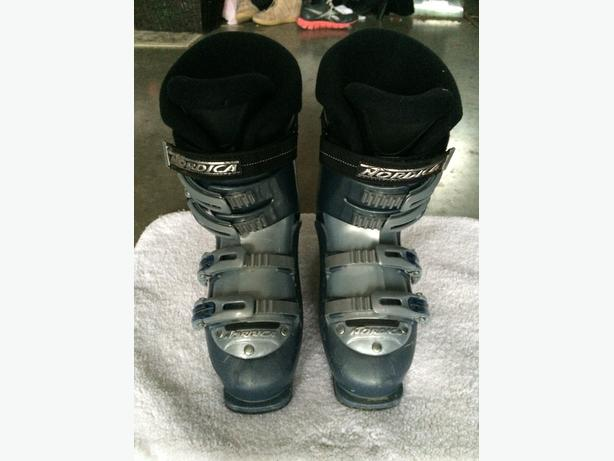 Youth Ski boots, kids jacket and pants