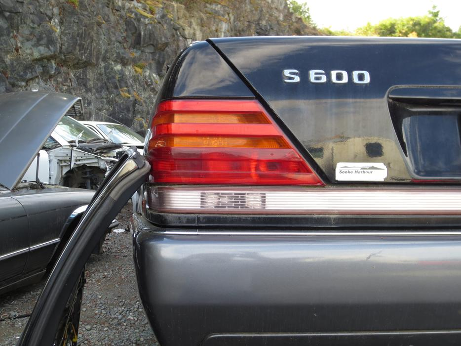 1996 mercedes benz s500 tail light l or r oak bay victoria for Mercedes benz bay ridge