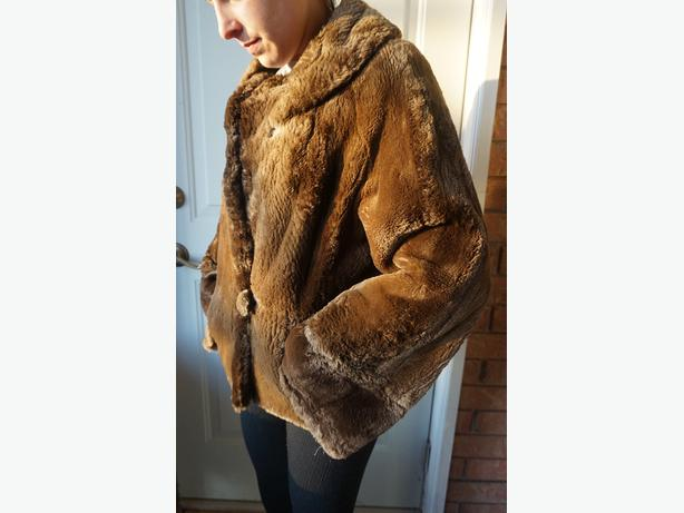 4U2C VINTAGE SHORT SOFT THICK FUR COAT SLEEVES NEEDS HEMMING