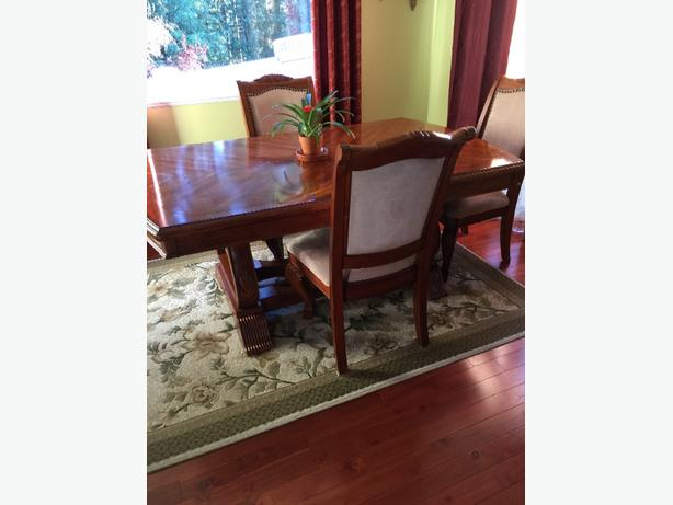 OBO Large Dining Room Table & Chairs