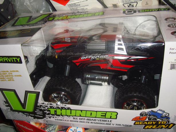 Brand New Gravity V 4x4 Off Road Thunder Remote Control Car - $35