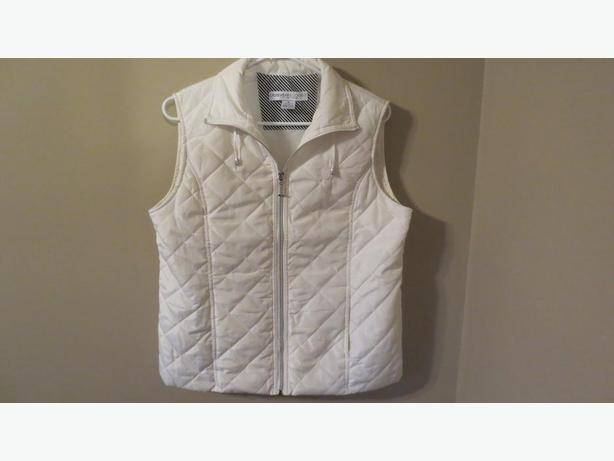 CRUISEWEAR WHITE VEST (NEW)