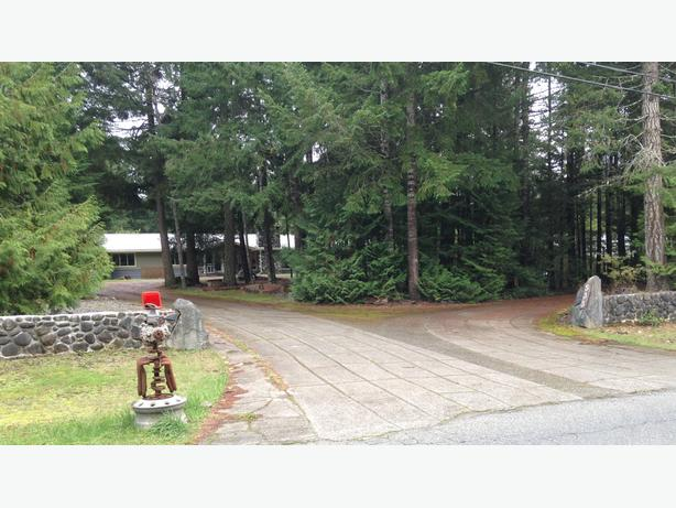 Oct 28-30 Corcan Estate Liquidation Sale in Qualicum