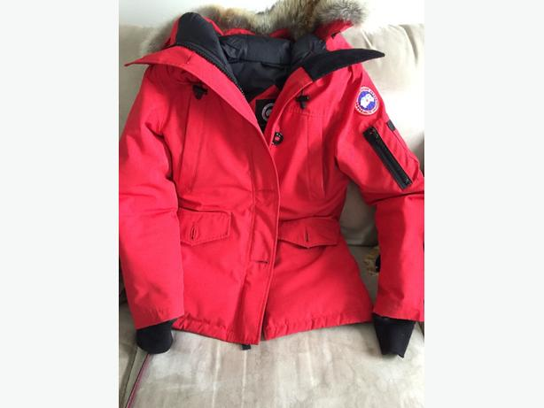 AUTHENTIC CANADA GOOSE MONTEBELLO JACKET