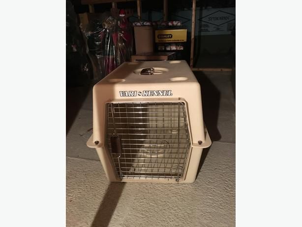 Medium Dog Kennel/Crate