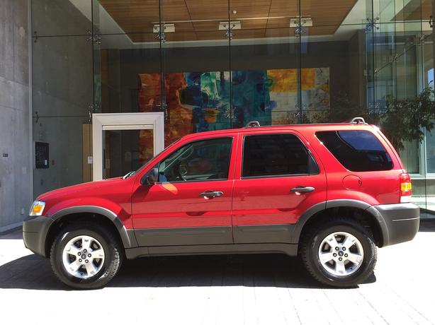 2007 Ford Escape XLT 4WD - LOCAL VICTORIA!