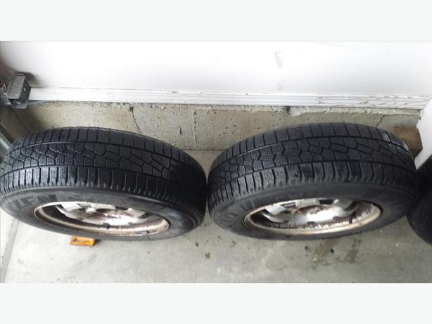 TWO KUMHO SNOW TIRES 175/70R  13