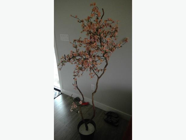 Artificial floral tree