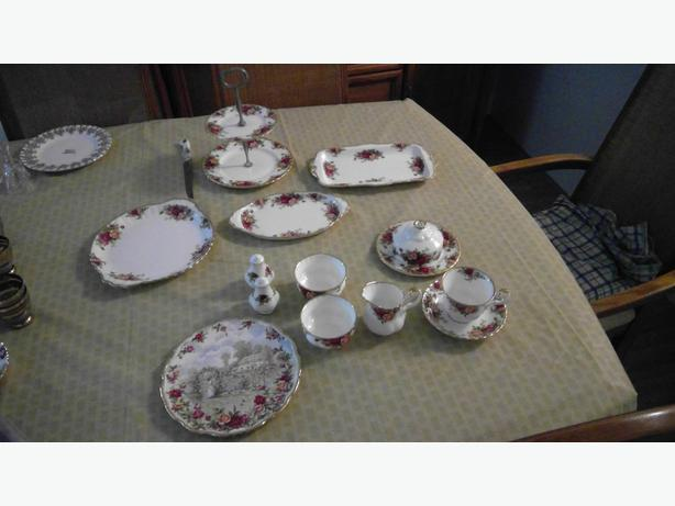 Royal Albert old country roses china