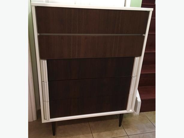 Fantastic mid century dresser