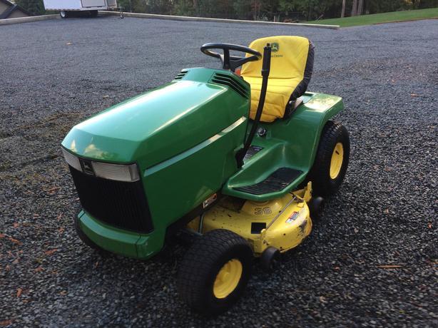 John Deere 14hp Lawn Tractor